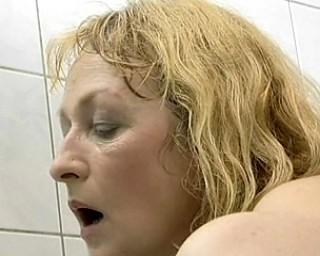 Mature slut fucked at a spa