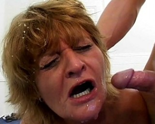 This mature slut loves two cocks at once