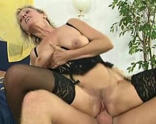 Blonde mature slut gets a mouth full of cum