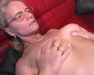 This mature slut loves to suck and fuck
