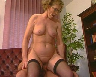 Horny mature lady sucking and fucking