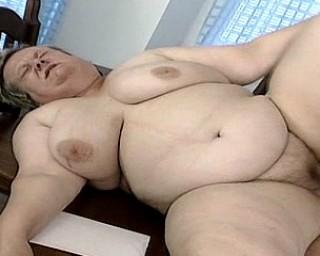 Big mature slut fucking her friend